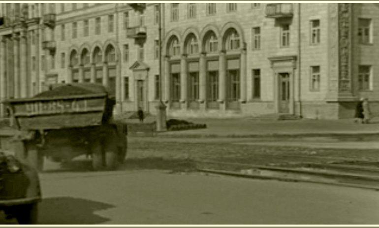 Где в Запорожье получила жилье учительница из «Весны на Заречной улице»?