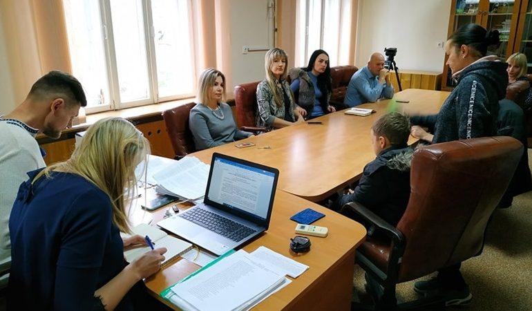 В  Запорожье админкомиссия штрафует горожан за захламление территорий и стихийную торговлю