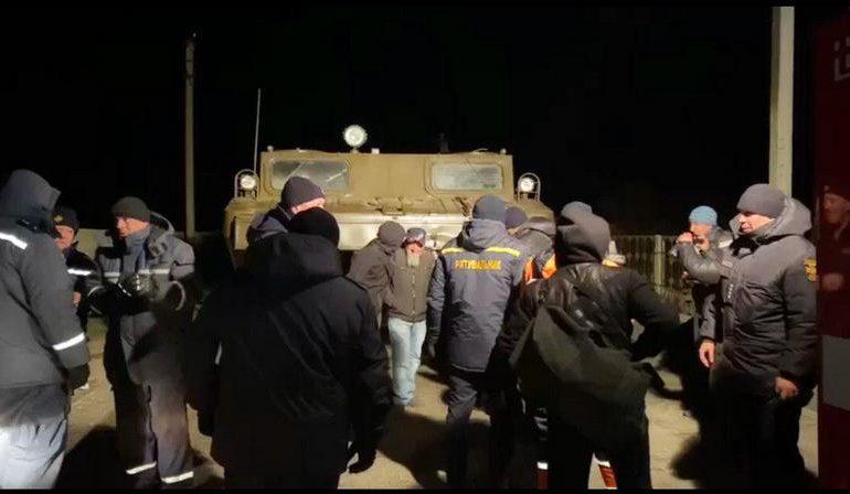 Внаслідок негоди рятувальники евакуювали 11 людей з острова Бірючий