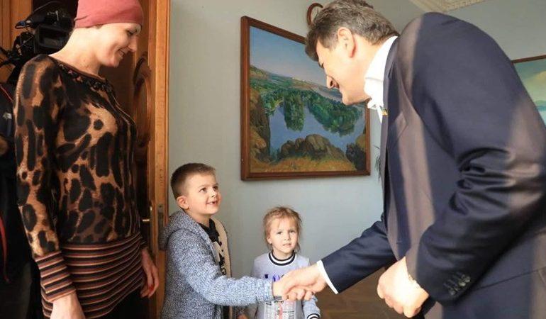 В Запорожье мама с двумя детьми получила собственное жилье