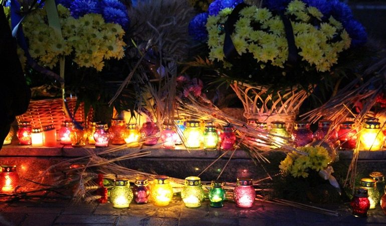 Запорожцы почтили память жертв Голодомора (фото)