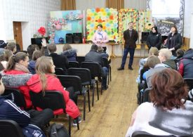 В Запорожье школьникам рассказали об угрозе наркотиков