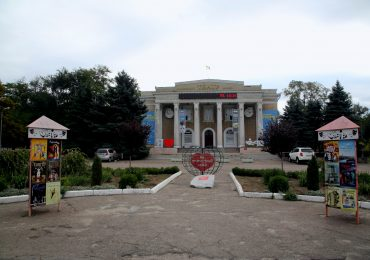 Запорожскому ТЮЗу – 40!  В этом возрасте жизнь только начинается:)