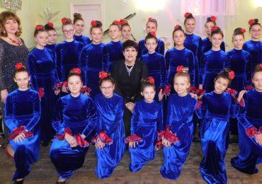 """Антонина Луканова: """"В «Менестрелях» нет подпевающих. Есть только поющие!"""""""