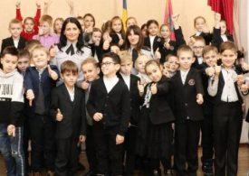 В Запорожье ювенальные полицейские рассказали школьникам об их правах