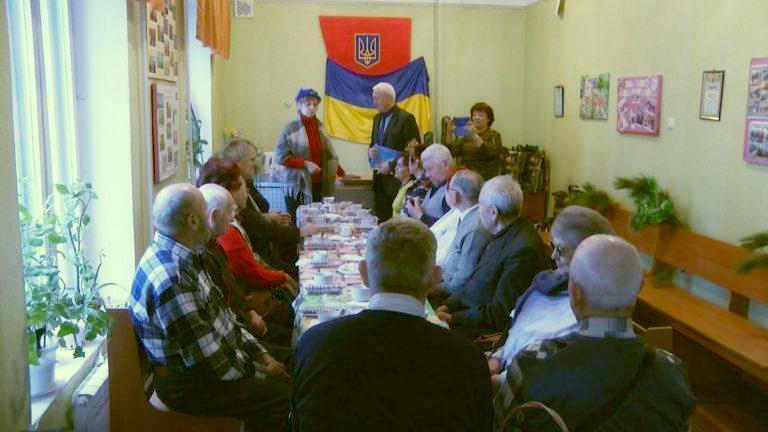 В Бердянске ветеранов поздравили с новым годом