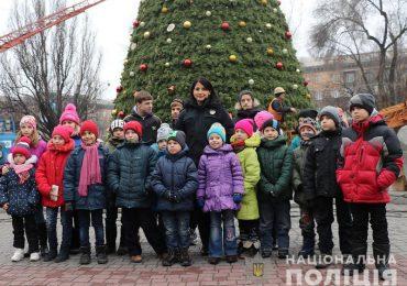 Запорожские полицейские провели акцию #ДійПротиНасильства
