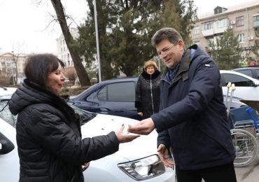 В Запорожье для городских социальных служб купили девять автомобилей