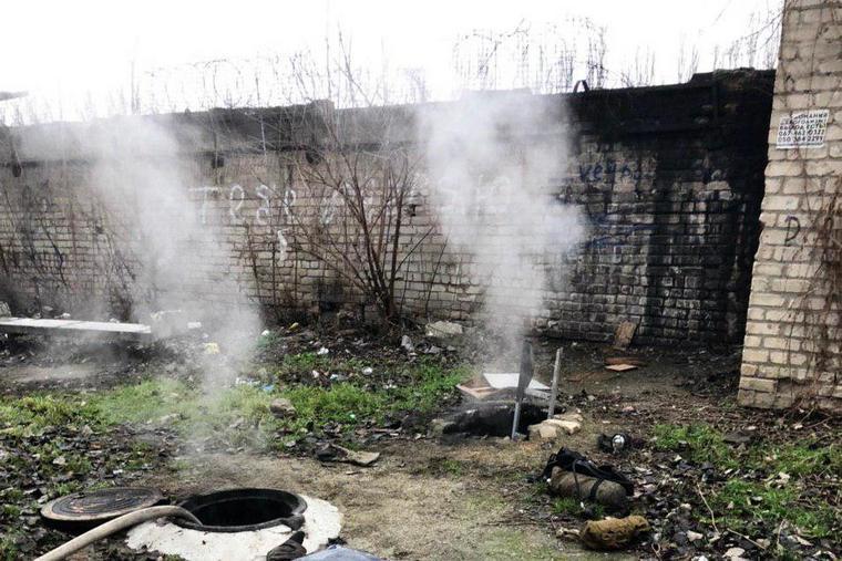В Запорожье горела теплотрасса: есть погибший