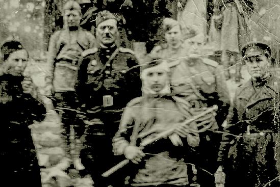 Запорожец на ступнях поверженного Рейхстага