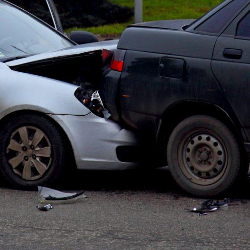 В Запорожье на дамбе четыре машины попали в ДТП (фото, видео)