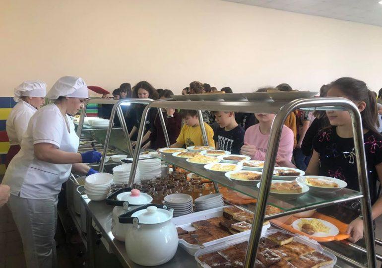С 2020 года все школьники Кирилловской общины получают бесплатное питание (фото)