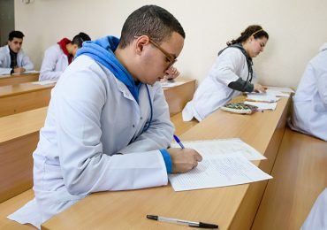 Майбутні іноземні студенти Запорізького медуніверситету склали іспит з української мови
