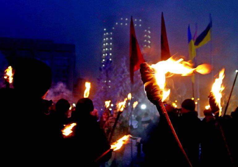 Запорожцы почтили память Героев Крут (видео)
