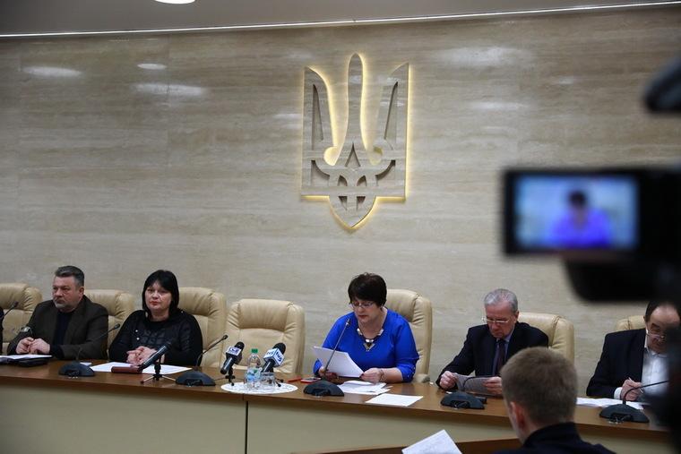На предприятиях Запорожской области почти вдвое сокращена задолженность по заработной плате