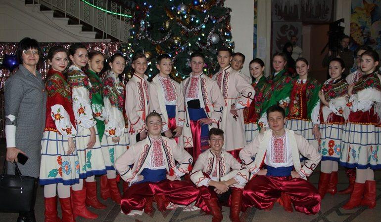 В Запорожье проходит благотворительный фестиваль «Рождественские поздравления»