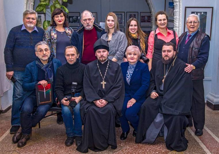 """В Запорожье открылась фотовыставка мирового уровня """"Звезда Рождества 2020"""""""