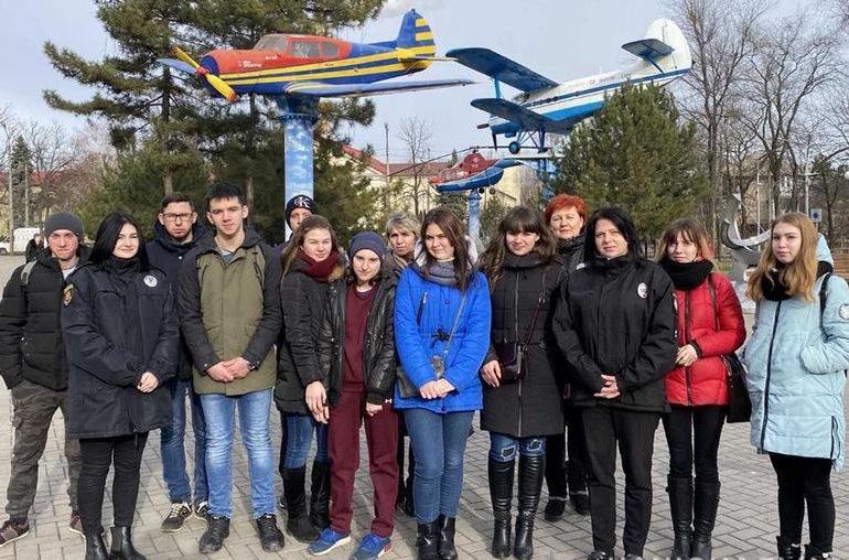 В Запорожье ювенальные полицейские организовали детям экскурсию в музей техники