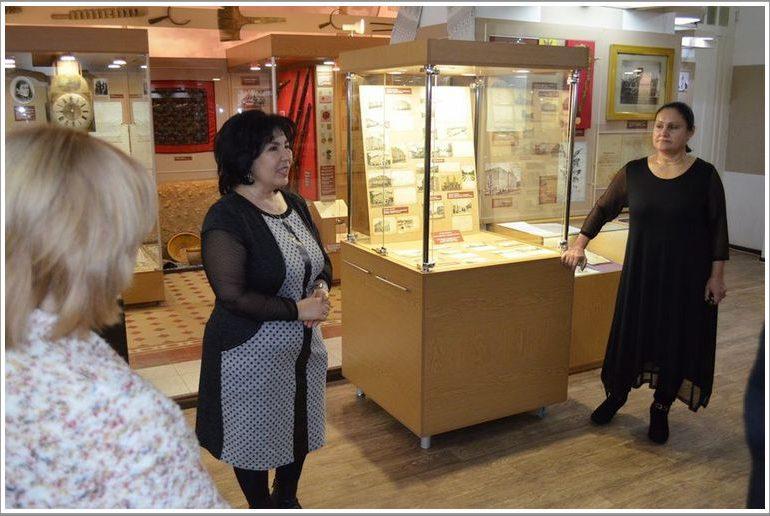 В Мелитополе в музее открылась  выставка почтовых открыток