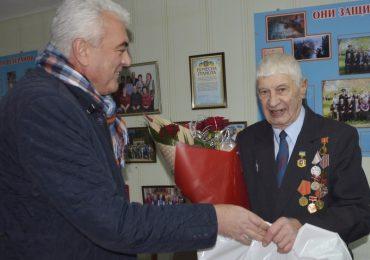 Почетного гражданина Энергодра поздравили с 90-летием