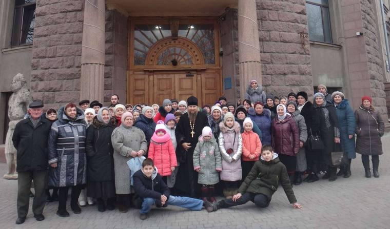 """Православные из Каменско-Днепровского района совершили  поездку """"По стопам запорожских святых"""""""