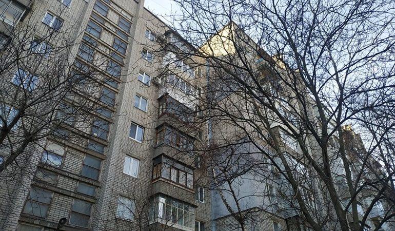 В Запорожье КП «Наше місто» ремонтирует очередной многоквартирный дом