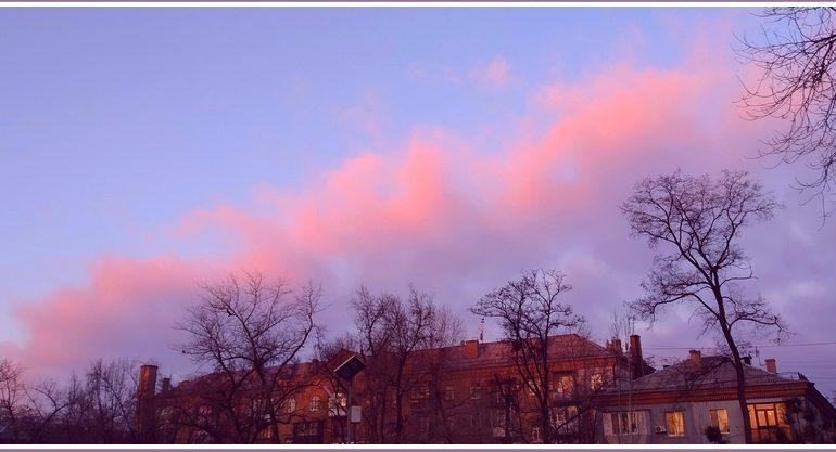 В Запорожье наступило розовое утро