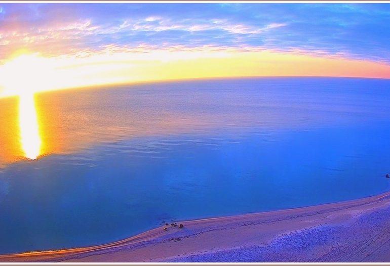 Как в Запорожской области на  море рассвет рассеял зимнюю синюю ночь