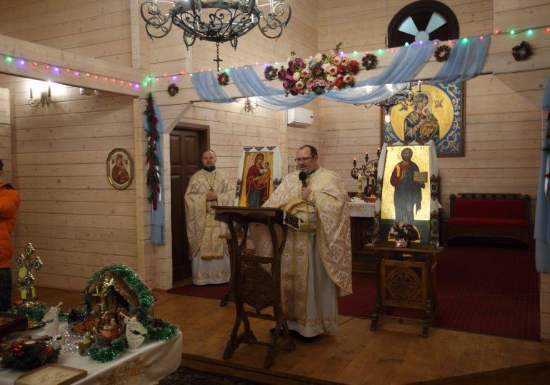 """Божественна Літургія та коляда у парафії """"Матері Божої Неустанної Помочі"""" (відео, фото)"""