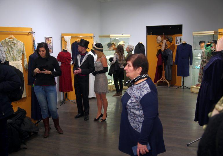 """Выставка """"Мода из старого комода"""" в Запорожье (фото, видео)"""