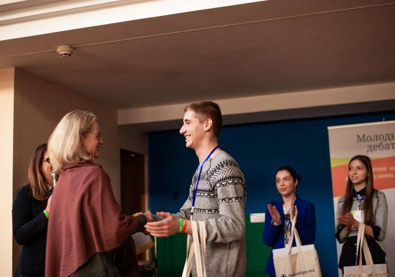 """Школяр із Запоріжжя - переможець національного проєкту """"Молодь дебатує"""""""