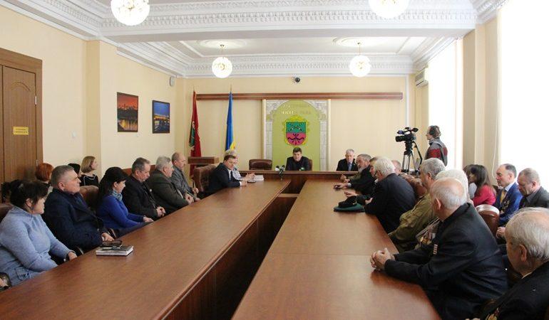 В Запорожье мэр встретился в ветеранами войны в Афганистане