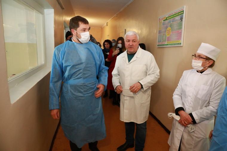 Запорожский губернатор попал в инфекционную больницу