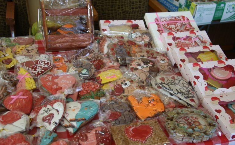 В Мелитополе на ярмарке можно купить стильные подарки ко Дню влюбленных