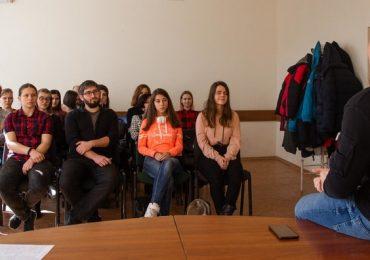 Запорожская молодежь учится строить гражданское общество