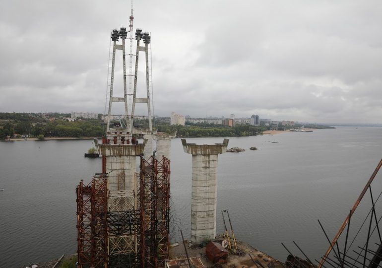 Оголошено переможця на відновлення будівництва запорізьких мостів