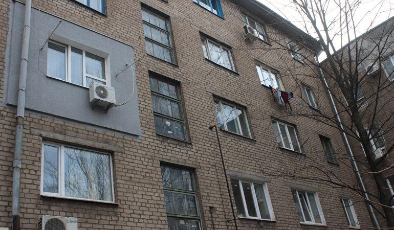 В Запорожье КП «Наше місто» меняет коммуникации в многоэтажках