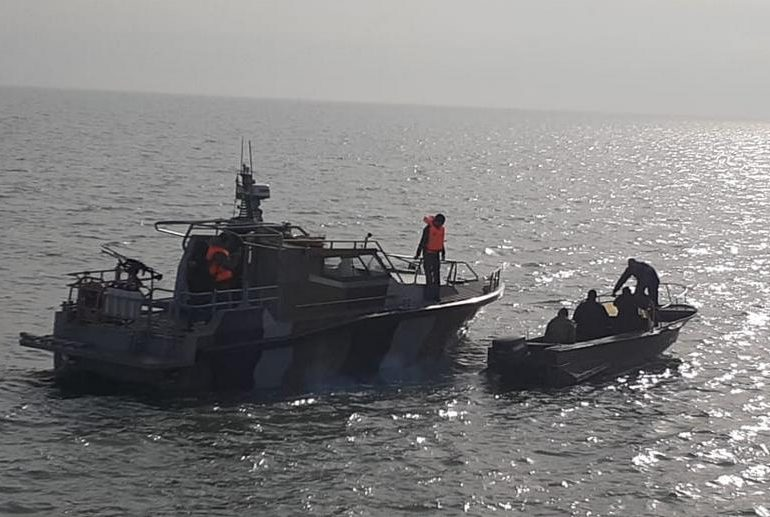 Рыбаки из Запорожской области, задержанные россиянами в море, вернулись домой