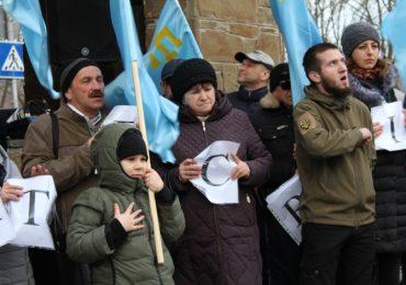 В Мелитополе крымские татары выступили против российских оккупантов