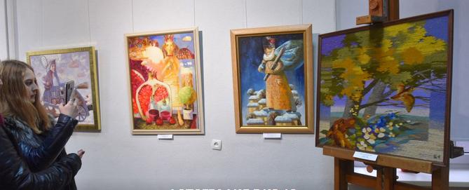 """У Запорізькому художньому музеї демонструється виставка """"Від сесії до сесії"""""""