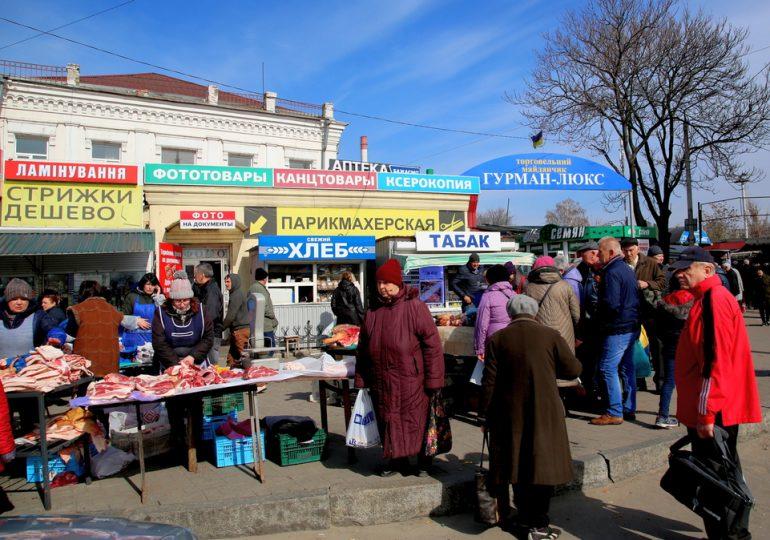 Карантин стихийной торговле в Запорожье - не помеха (видео, фото)