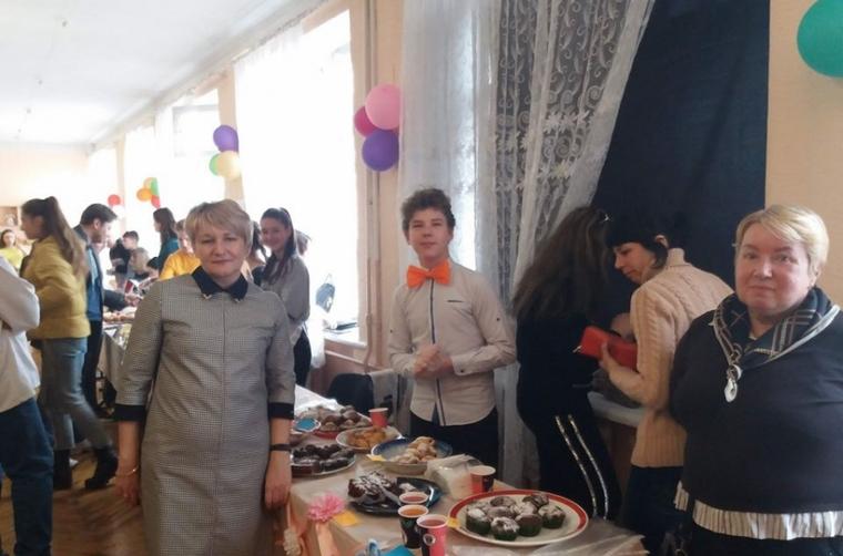 В Мелитополе в лицее-интернате прошла благотворительная ярмарка