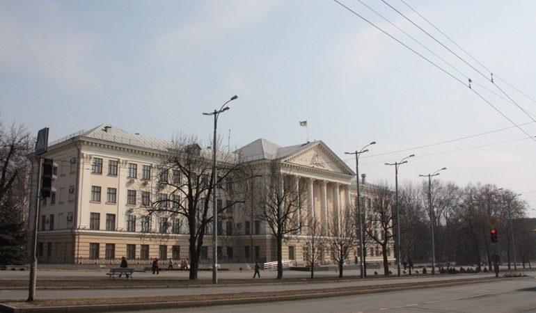 В Запорожье мэр Буряк из-за угрозы коронавируса перевел все службы в режим повышенной готовности