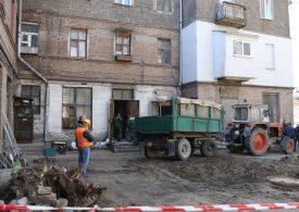 Начала работу комиссия, которая изучает причины аварийной ситуации в доме