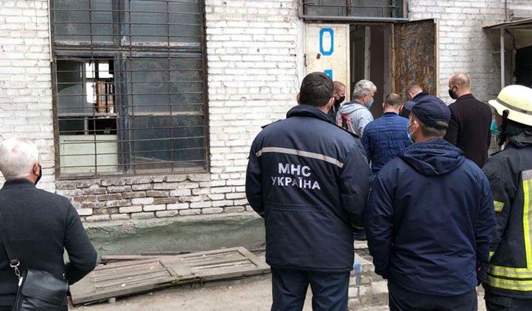 В Запорожье отселяют жильцов дома, в котором рухнул этаж