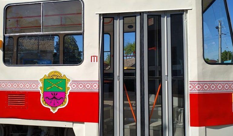 В Запорожье на линию вышли два отремонтированных трамвая