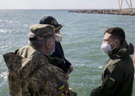 В Бердянске Владимир Зеленский ознакомился с планом развития базы ВМС Украины