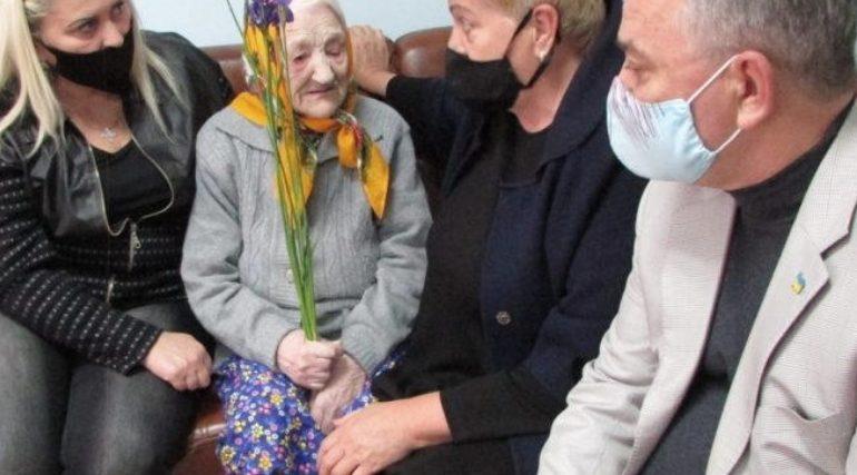 Жительнице Бердянска исполнилось 102 года