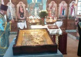 В главный храм Мелитополя вернулась отреставрированная икона Божией Матери
