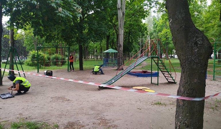 В Заводском районе Запорожья ремонтируют малые архитектурные формы